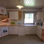 Küche samt E-Geräten, Geschirr etc.