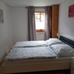Doppelzimmer mit Kleiderschrank